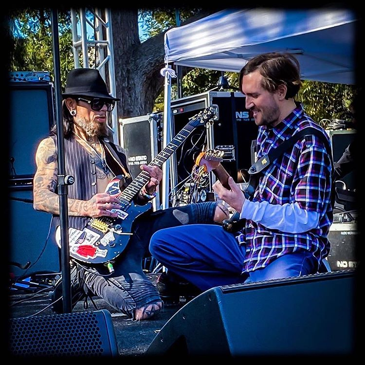 John Frusciante and Dave Navarro jamming